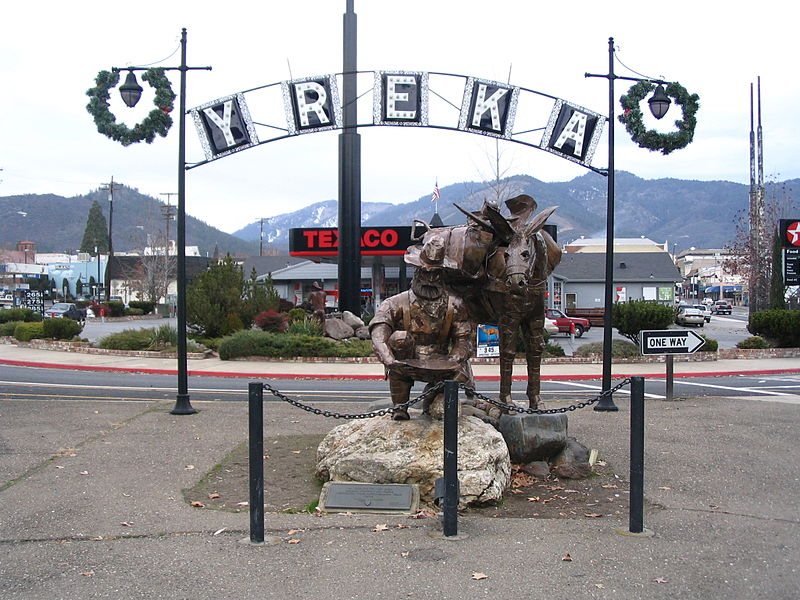Yreka, California prospector sculpture - this Ralph Starrit metal sculpture greets people as they arrive in Yreka. Gold prospecting is an integral part of the history of this Northern California town. http://journeycalifornia.com/yreka-siskiyou-county-gold-town/