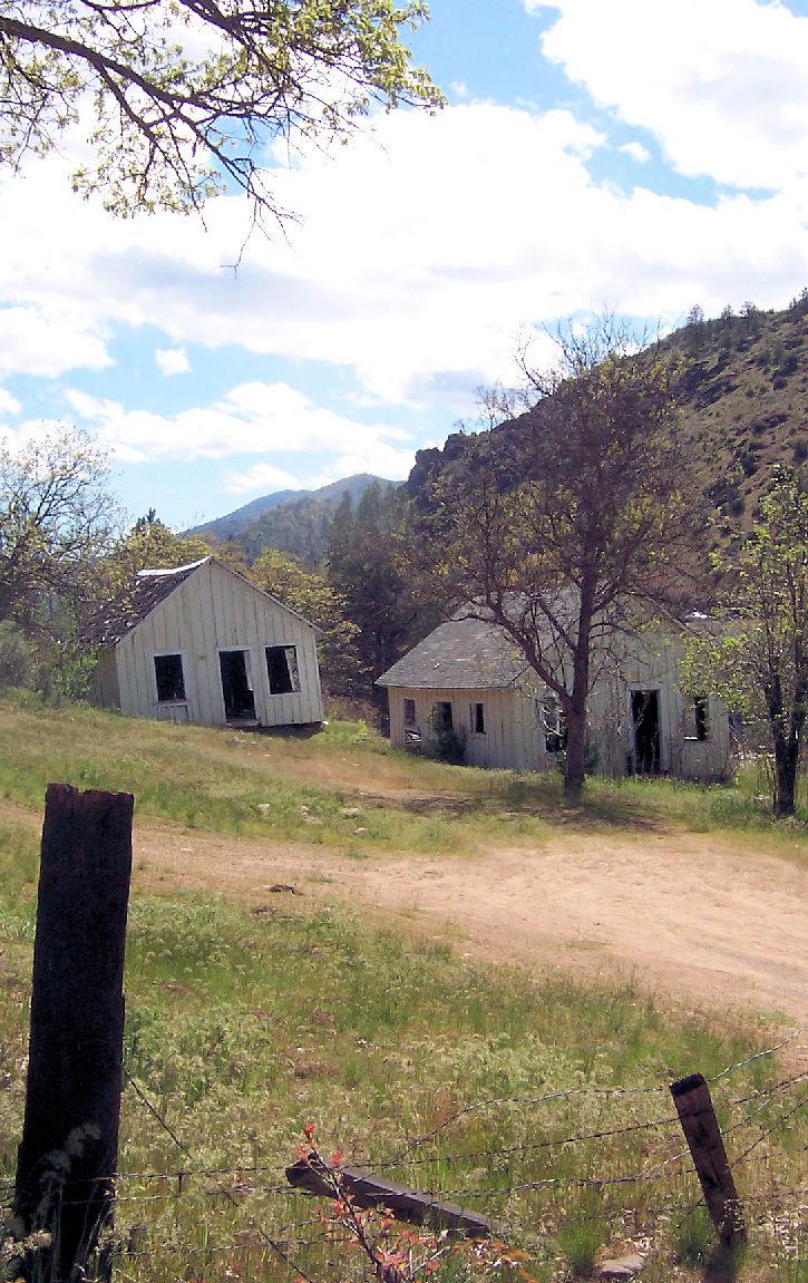 Old miners cabins next to the Upper Klamath River.